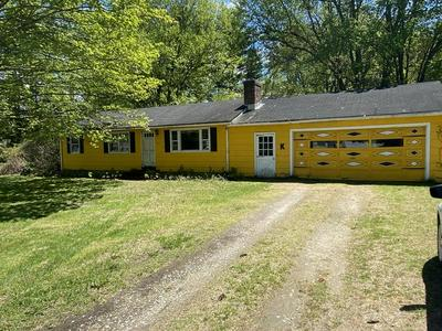 122 FARNHAM LN, Westfield, MA 01085 - Photo 1