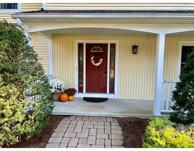 4 BLUEBERRY HILL RD, Wilbraham, MA 01095 - Photo 2