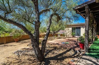 22 W PASEO CANASTA, Green Valley, AZ 85614 - Photo 2