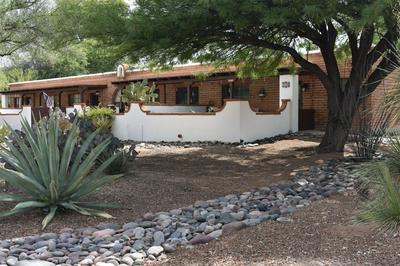 322 S LA CANADA DR UNIT D, Green Valley, AZ 85614 - Photo 2
