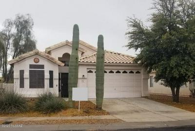 9126 N SAFFLOWER LN, TUCSON, AZ 85743 - Photo 1