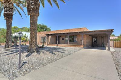 261 E LAS MILPAS, Green Valley, AZ 85614 - Photo 2