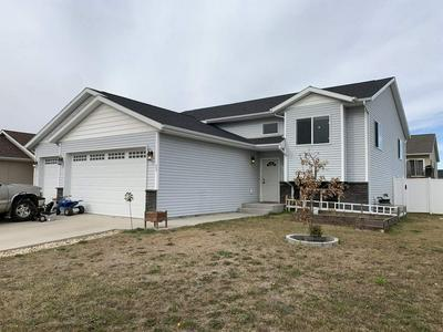 11 BERKELEY ST, Surrey, ND 58785 - Photo 1