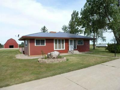 6219 39TH ST NW, Plaza, ND 58771 - Photo 1
