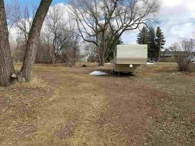 518 3RD AVE NE, Kenmare, ND 58746 - Photo 2