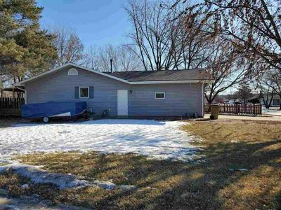 2208 5TH AVE SW, MINOT, ND 58701 - Photo 2
