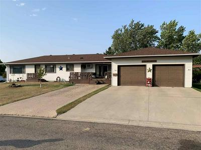 301 9TH ST SE, Rugby, ND 58368 - Photo 1