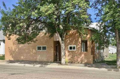313 S MAIN AVE, Rugby, ND 58368 - Photo 1