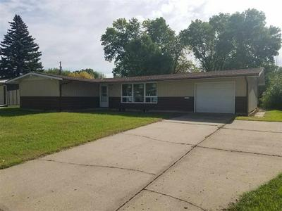 125 28TH ST SW, MINOT, ND 58701 - Photo 1