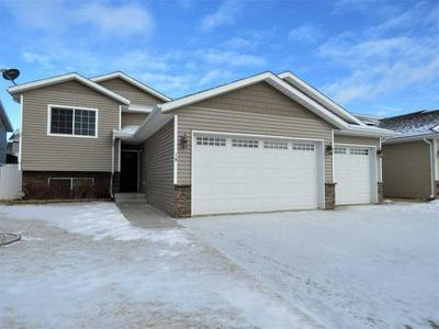 19 BERKELEY ST, Surrey, ND 58785 - Photo 1