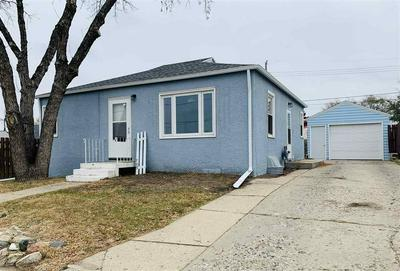 709 6TH ST SW, Minot, ND 58701 - Photo 1