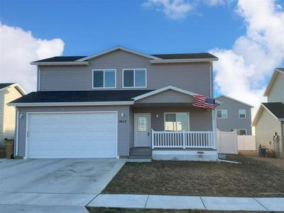 3413 HARVEST HILLS AVE NW, Minot, ND 58703 - Photo 1