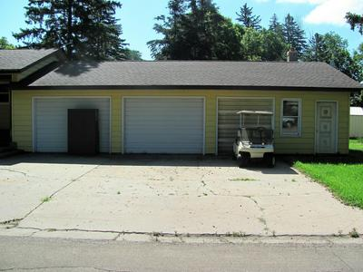 437 4TH AVE SW, Perham, MN 56573 - Photo 2