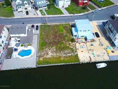 617 SUNSET DR S, Seaside Heights, NJ 08751 - Photo 2