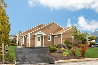 33 WILLIAMSBURG DR, Tinton Falls, NJ 07753 - Photo 1