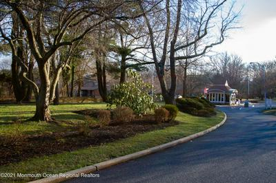 175 LEXINGTON CT, Red Bank, NJ 07701 - Photo 2