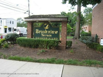 289 MAIN ST APT 15R, Spotswood, NJ 08884 - Photo 1