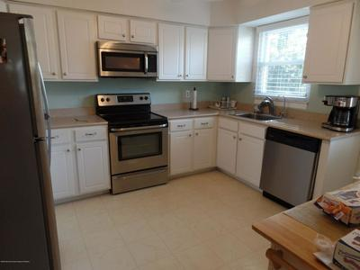 2 INDEPENDENCE PKWY # B, WHITING, NJ 08759 - Photo 2