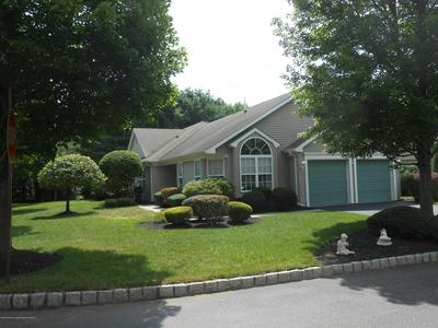39 VALLEY STREAM LN, Lakewood, NJ 08701 - Photo 1