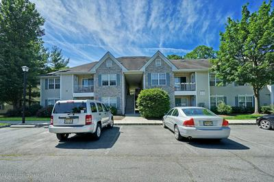 424 WEDGEWOOD CIR, Belford, NJ 07718 - Photo 1