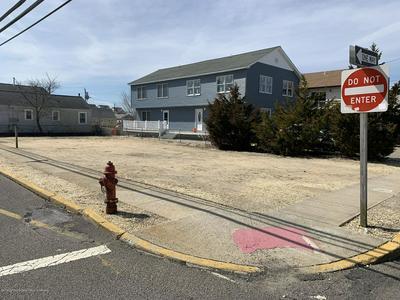 201 HANCOCK AVE, Seaside Heights, NJ 08751 - Photo 2