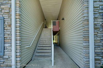 424 WEDGEWOOD CIR, Belford, NJ 07718 - Photo 2