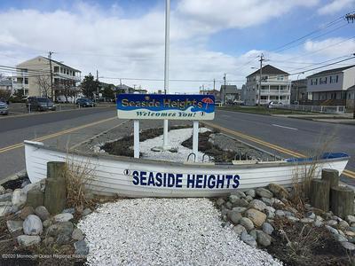 230 FRANKLIN AVE, Seaside Heights, NJ 08751 - Photo 1