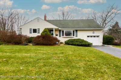 9 HOMESTEAD PL, Holmdel, NJ 07733 - Photo 1