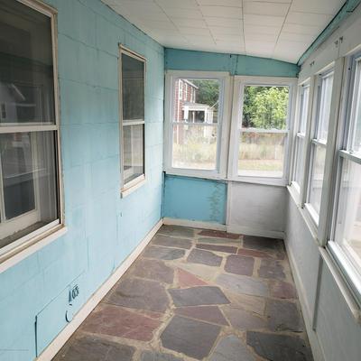 27 MANCHESTER AVE, Keyport, NJ 07735 - Photo 2