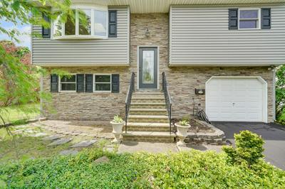 26 WOODBRIDGE AVE, Sewaren, NJ 07077 - Photo 2