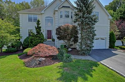 330 AUTUMN HILL DR, Morganville, NJ 07751 - Photo 2