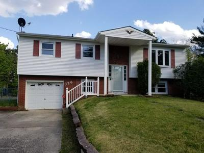 326 CHIPPEWA TRL, Browns Mills, NJ 08015 - Photo 1