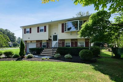 119 SPRINGCREST DR, Hightstown, NJ 08520 - Photo 2