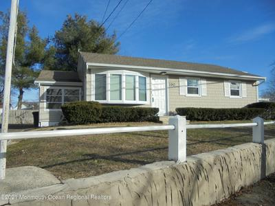 190 CREEK RD, Keansburg, NJ 07734 - Photo 2