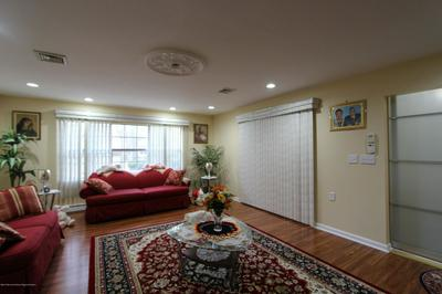 204A HUNTINGTON DR # 1001, Lakewood, NJ 08701 - Photo 2