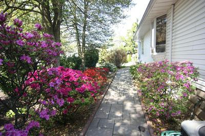 539 BORRIE AVE, Brielle, NJ 08730 - Photo 2