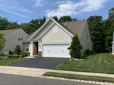 24 W DA VINCI WAY, Farmingdale, NJ 07727 - Photo 2