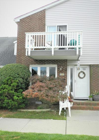 25 MEADOW AVE UNIT 49, Monmouth Beach, NJ 07750 - Photo 1