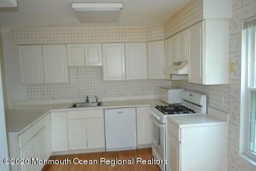 16 GLOUCESTER CT UNIT 8, Freehold, NJ 07728 - Photo 2