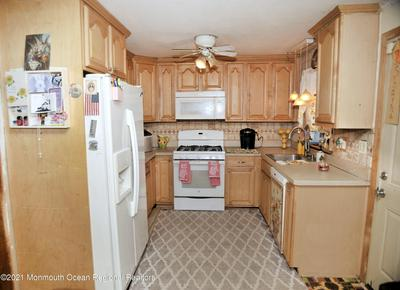 17 CRESCENT ST, Keansburg, NJ 07734 - Photo 2