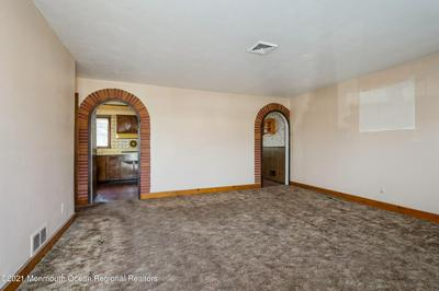 19 HASTINGS PL, Carteret, NJ 07008 - Photo 2