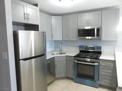 826 W GRAND ST, Elizabeth, NJ 07202 - Photo 2