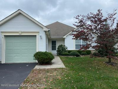 21 WELLINGTON LN, Lakewood, NJ 08701 - Photo 1