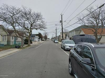327 FRANKLIN AVE, SEASIDE HEIGHTS, NJ 08751 - Photo 2