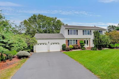 9 CLOVERLEAF DR, Marlboro, NJ 07746 - Photo 2