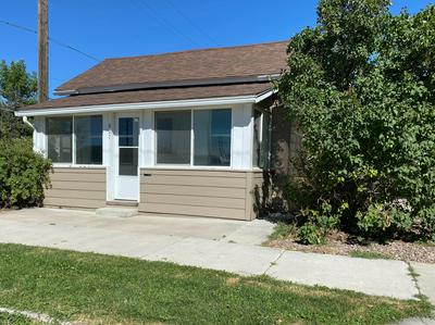 427 5TH AVE SW, Great Falls, MT 59404 - Photo 1