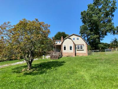 301 KARNES ST, PRINCETON, WV 24740 - Photo 2