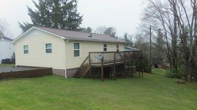 303 E BROADWAY ST, ATHENS, WV 24712 - Photo 2