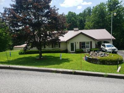 262 BLUEWELL AVE, BLUEFIELD, WV 24701 - Photo 1