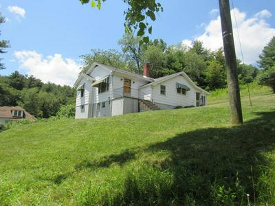 2770 MAPLE ACRES RD, BLUEFIELD, WV 24701 - Photo 2